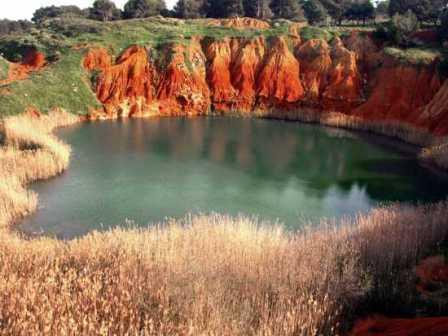 4_otranto-cave-bauxite.jpg