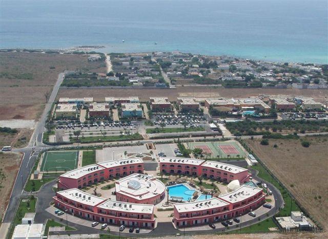 114_punta-grossa-hotel-residence-porto-cesareo_aerea.jpg