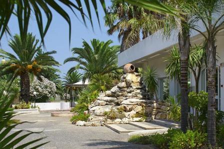130_riva-degli-angeli-hotel-villaggio_entrata.jpg