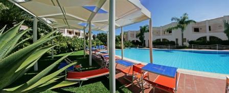 136_sairon-club-hotel_villaggio_sairon_torre_dell_orso_piscina_relax2.jpg