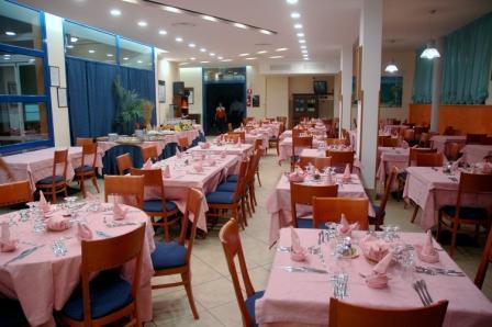 136_sairon-club-hotel_villaggio_sairon_torre_dell_orso_ristorante_principale.jpg