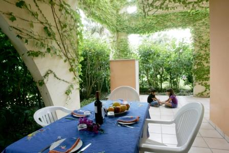 136_sairon-club-hotel_villaggio_sairon_torre_dell_orso_veranda.jpg