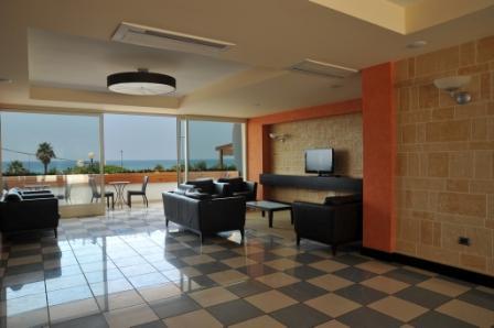 13_cala-saracena-family-club-residence_hall_vista_mare.jpg