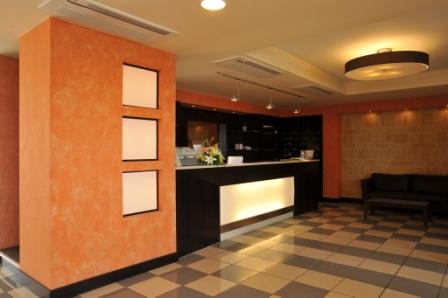 13_cala-saracena-family-club-residence_reception.jpg
