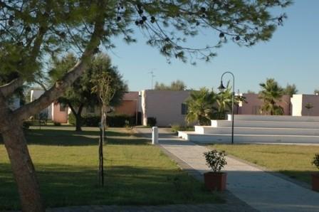 15_villaggio-club-residenza-torre-rinalda-_villaggio_torre_rinalda_anfiteatro.jpg