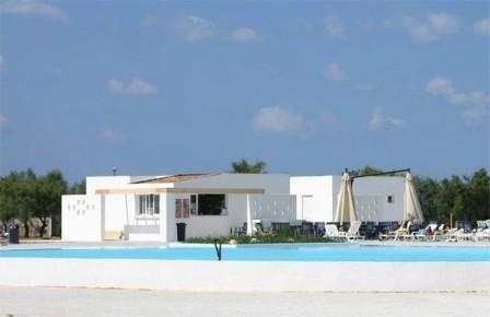 15_villaggio-club-residenza-torre-rinalda-_villaggio_torre_rinalda_piscina.jpg