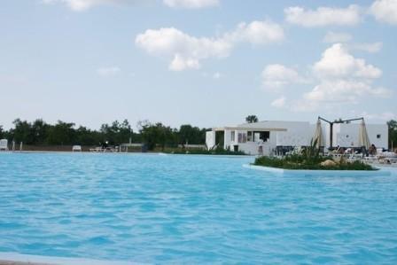 15_villaggio-club-residenza-torre-rinalda-_villaggio_torre_rinalda_piscina_2.jpg