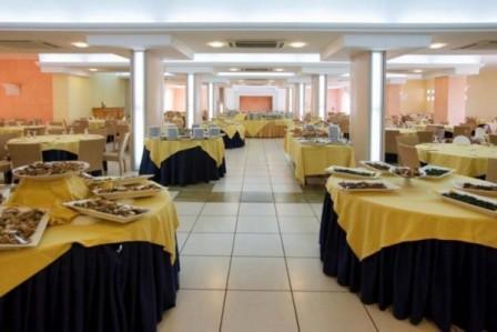 15_villaggio-club-residenza-torre-rinalda-_villaggio_torre_rinalda_ristorante_2.jpg