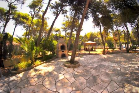 166_b&b-la-culla-di-romeo_giardino_barbeque.jpg