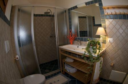 167_le-cenate-residence-garden_residence_le_cenate_garden_bagno_monolocale.jpg