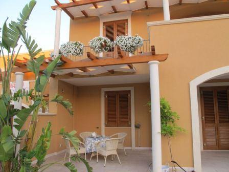 167_le-cenate-residence-garden_residence_le_cenate_garden_veranda_2.jpg
