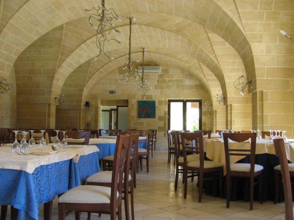 17_corte-del-salento-club-village_ristorante3.jpg