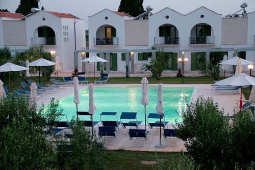 Prenotazione villaggi ricerca offerte turistiche per vacanze al mare salento puglia calabria - Residence puglia mare con piscina ...