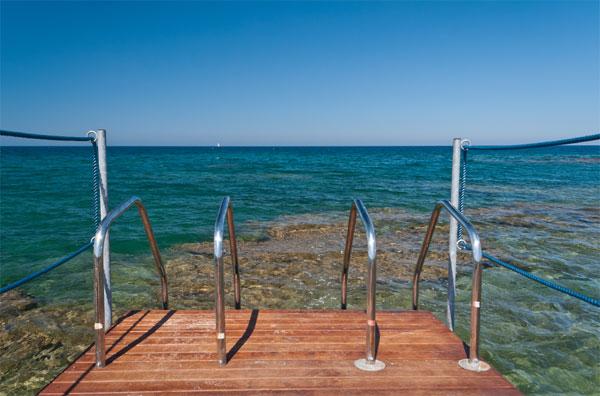 185_pietrablu-resort-spa_pietrablu_discesa_mare.jpg