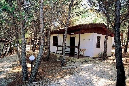 186_la-giara-villaggio-camping_villaggio_la_giara_vieste_chalet.jpg