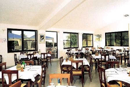 186_la-giara-villaggio-camping_villaggio_la_giara_vieste_ristorante.jpg