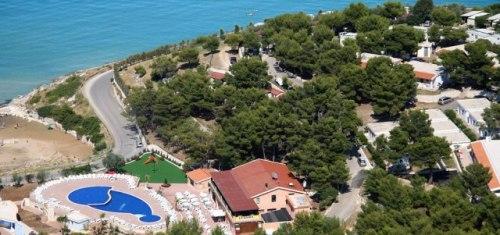 186_la-giara-villaggio-camping_villaggio_la_giara_vieste_veduta2.jpg