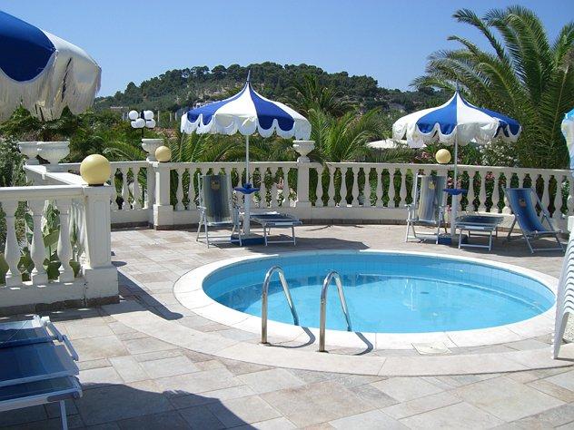 Hotel pellegrino palace vieste foggia puglia - Residence puglia mare con piscina ...