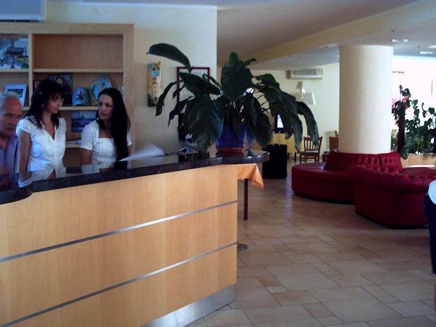 187_hotel-pellegrino-palace_pellegrino_palace_vieste_reception.jpg