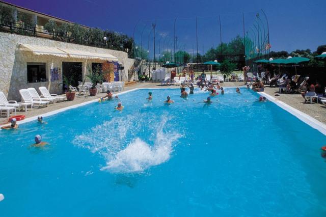 Centro vacanze defensola vieste foggia puglia - Residence puglia mare con piscina ...