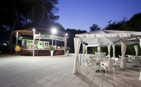 18_campoverde-club-residence_campoverde_bar_notturno.jpg