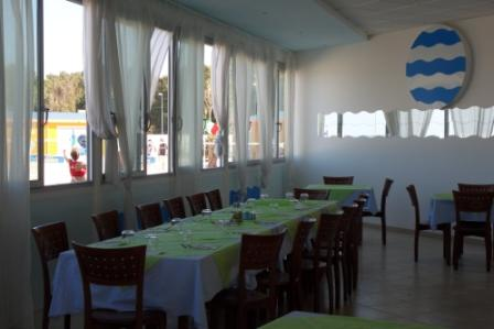 18_campoverde-residence-club_sala_interna_ristorante.jpg