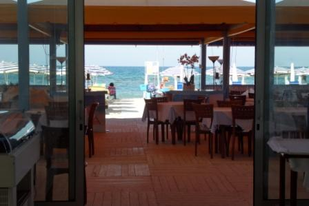 18_campoverde-residence-club_veranda_ristorante.jpg