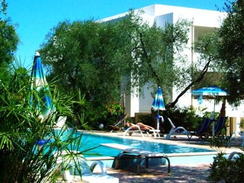 190_residence-gallo_residence_gallo__vieste_piscina2.jpg
