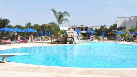 196_portoselvaggio-holiday-resort_8_piscina.jpg