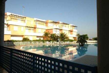 197_tramonti-residence_3_piscina.jpg