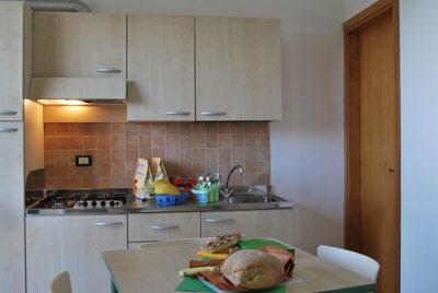 1_residence-vaia_residence_vaia_cucina_bilo.jpg
