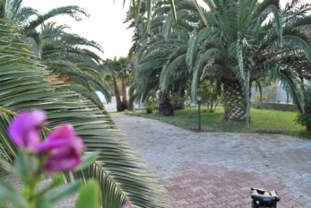 1_residence-vaia_residence_vaia_giardino2.jpg