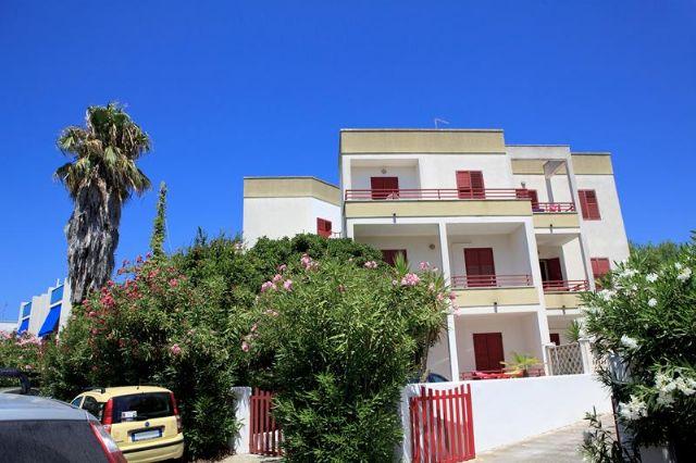 200_appartamenti-sparsi-baia-verde_appartamenti_gallipoli_esterni2.jpg