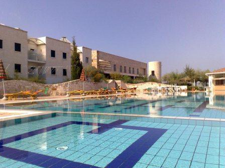 208_hotel-scoglio-degli-achei_12_piscina.jpg