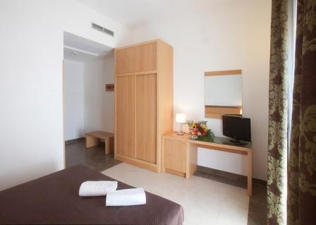 208_hotel-scoglio-degli-achei_3_camere_hotel.jpg