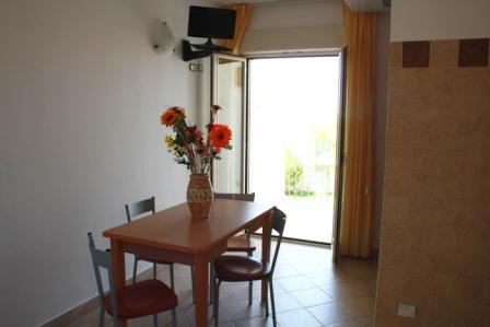 208_hotel-scoglio-degli-achei_8_soggiorno.jpg