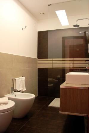 20_villaggio-poseidone_villaggio_hotel_poseidone_bagno.jpg