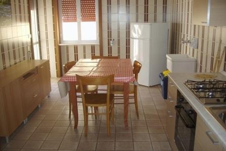 210_appartamenti-in-via-monti_cucina-quadrilocale.jpg