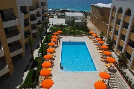213_residence-rosa-virginia_piscina.jpg