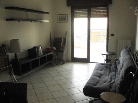 213_residence-rosa-virginia_salotto_tv1.jpg