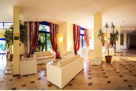 21_araba-fenice-residence_araba_fenice_hall2.jpg
