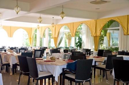 21_araba-fenice-residence_araba_fenice_ristorante2.jpg