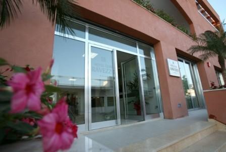 224_ravezzo-beach-hotel_entrata.jpg
