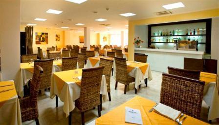 224_ravezzo-beach-hotel_ristorante.jpg