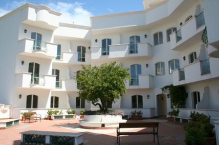 227_hotel-il-gabbiano_esterno.jpg