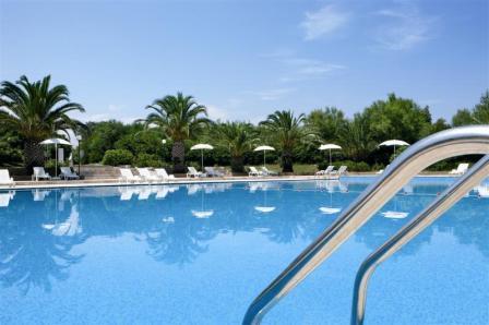 228_meditur-village--residence_villaggio_meditur_carovigno_piscina.jpg