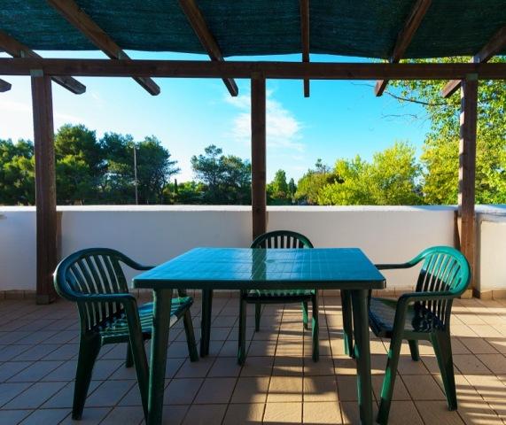 23_residence-blue-area-village_bilocale-primo-piano_terrazza.jpg