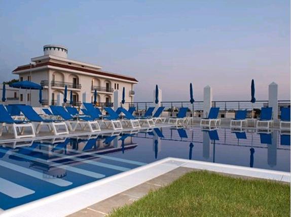 240_villetta-degli-ulivi-porto-cesareo_piscina_hotel_club-azzurro2.jpg