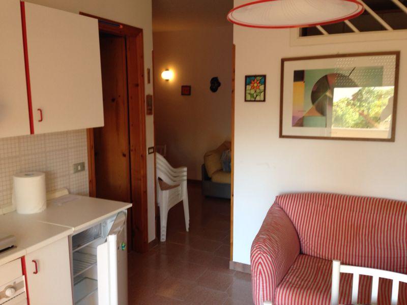 247_appartamento-riviera-otranto_soggiorno-divano.jpg