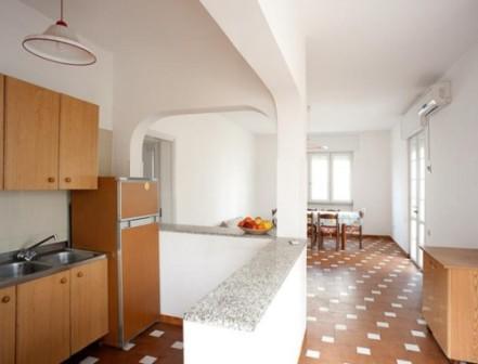 258_le-sorgenti-case-vacanza_appartamenti_le_sorgenti_torre_vado_soggiorno.jpg